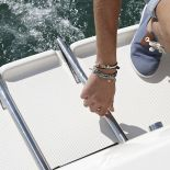 690-pilothouse-details-27